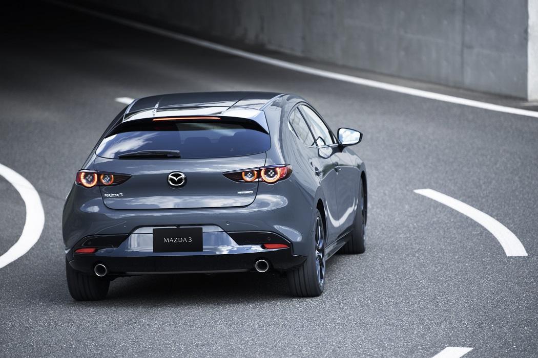Mazda 3 2021 SkyActiv-X su strada