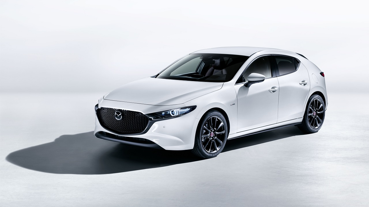 Mazda 3 2021, il motore SkyActiv-X si rifà il trucco thumbnail