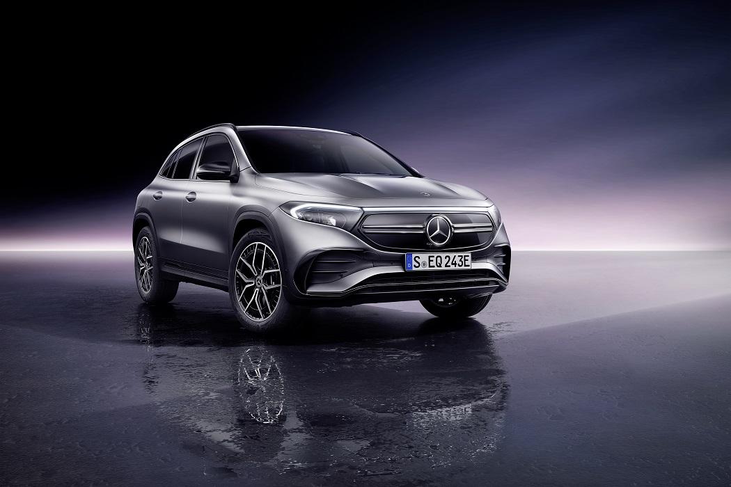 IL frontale di Mercedes EQA