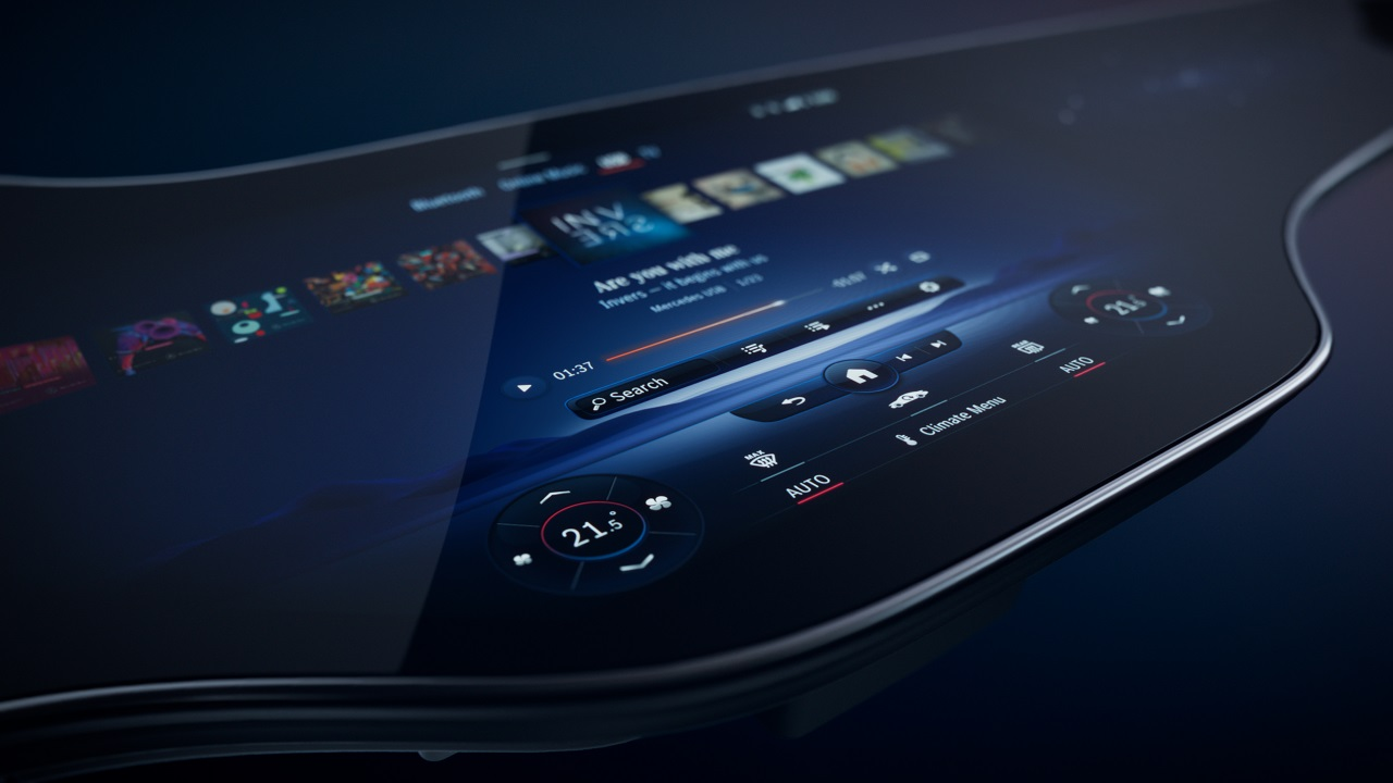 Mercedes Hyperscreen zero layer