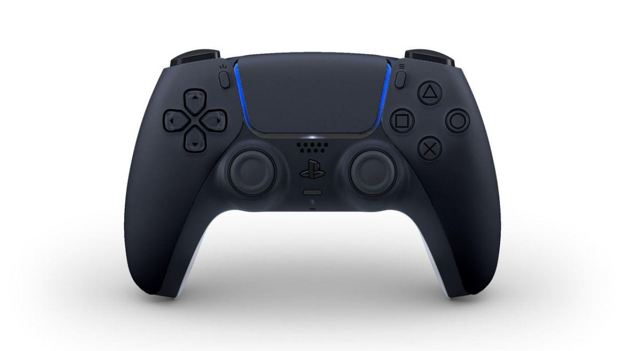 PS5 si veste di nero in una nuova edizione personalizzata thumbnail