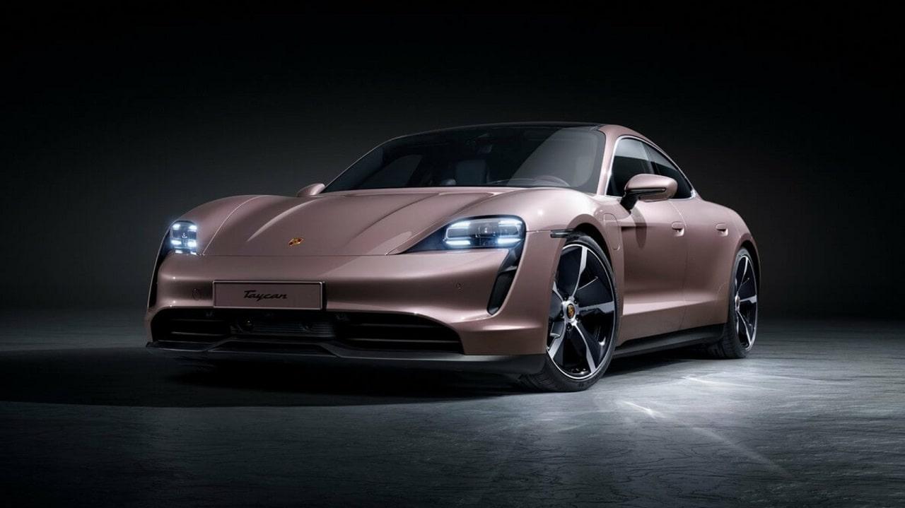 Porsche svela la nuova Taycan elettrica, che scende sotto i 100 mila euro thumbnail