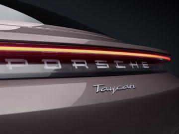Presentata la nuova versione entry level di Porsche Taycan: prezzo a partire da 86 mila euro