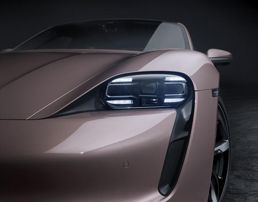 Il 2021 ci ha regalato la versione base di Porsche Taycan