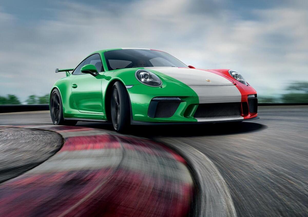 """Porsche e Caritas insieme per l'iniziativa """"Uniti per Ripartire"""""""