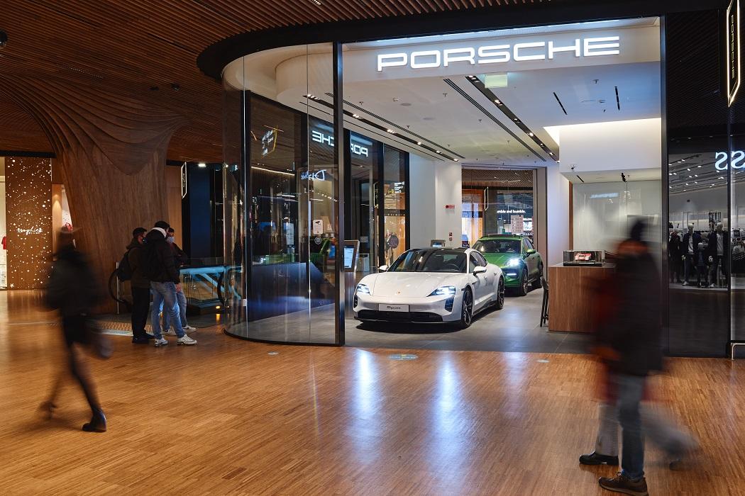 Tra i progetti di Porsche per il 2021 comprendono anche il restyling dei propri canali di vendita, come Porsche@CityLIfe