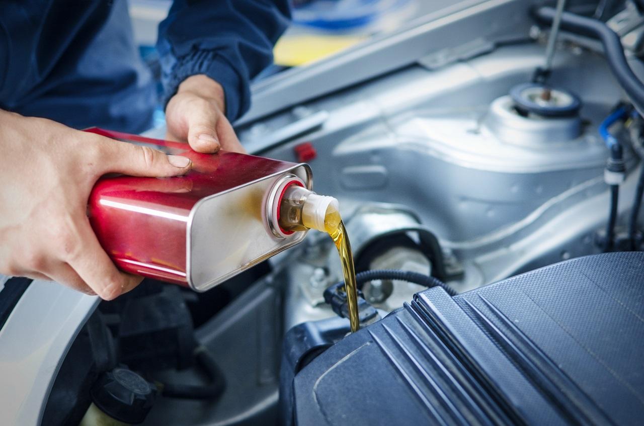 differenza tra revisione e tagliando auto cambio olio