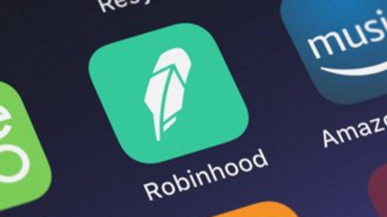 Google elimina 10000 recensioni negative sull'App di Robinhood thumbnail