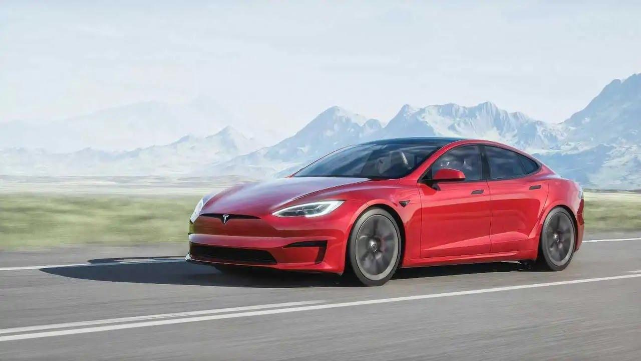 Tesla Model S Plaid e Plaid+, il restyling porta 1100CV e un abitacolo fuori di testa thumbnail