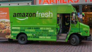 Amazon Fresh porta la spesa a casa in tutta Milano  Il nuovo servizio di consegna permette di ricevere prodotti freschi in giornata. Entro la fine dell'anno arriva anche per altre città