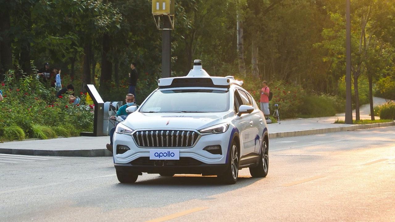 Baidu testerà i suoi veicoli a guida autonoma senza conducente in California thumbnail