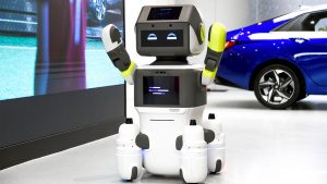 DAL-e, il robot di Hyundai che accoglie e assiste i clienti  DAL-e è il nuovo robot di Hyundai, che aiuterà i clienti all'interno degli show-room dell'azienda per un'esperienza sicura e divertente
