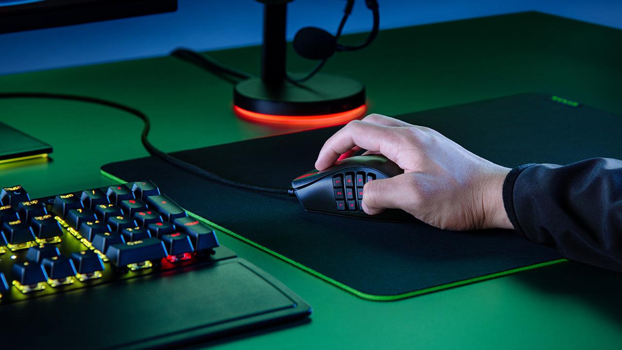 Razer Naga X, il nuovo mouse da gaming con 16 pulsanti programmabili thumbnail