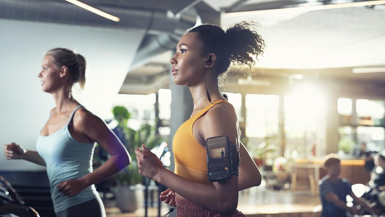 Philips Sport, in arrivo quattro nuove cuffie wireless per atleti thumbnail