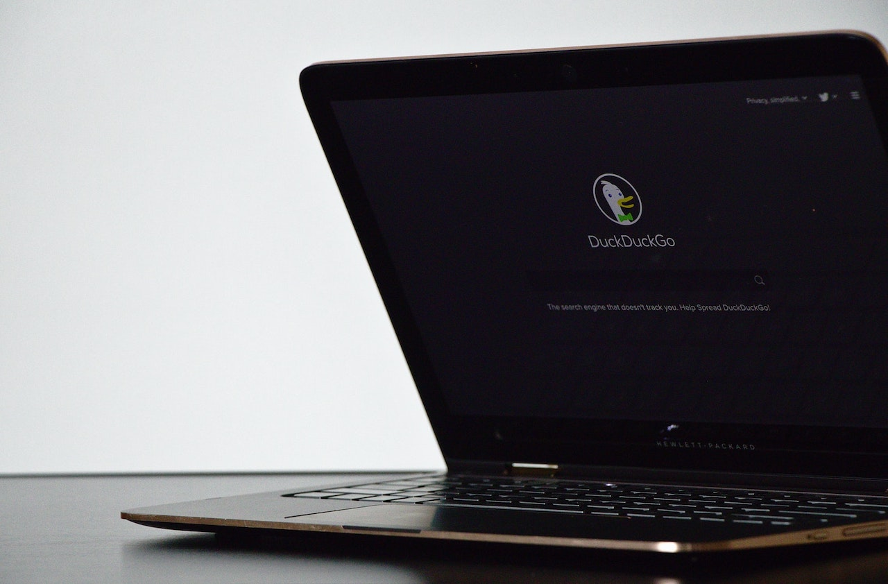DuckDuckGo, il browser alternativo a Google supera cento milioni di ricerche giornaliere thumbnail