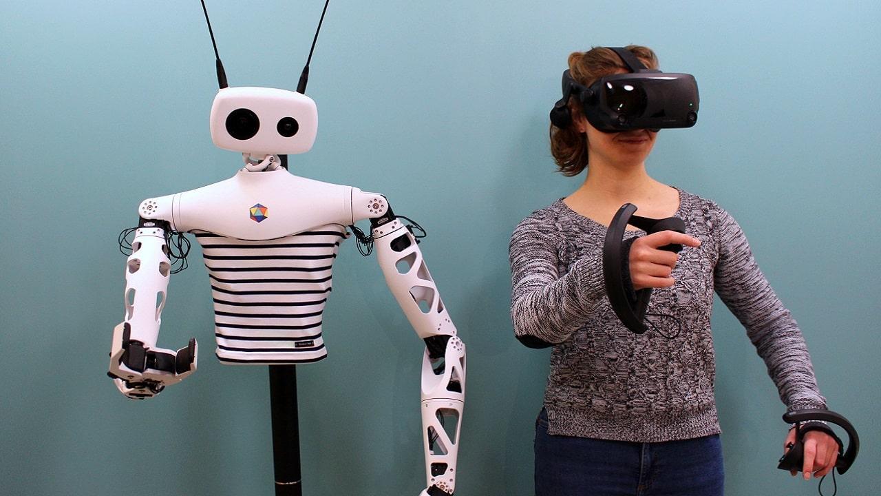 Reachy, il robot che copia ogni vostro movimento thumbnail