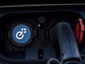 ricarica auto elettriche nissan enel-min