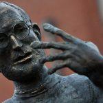 statua di steve jobs