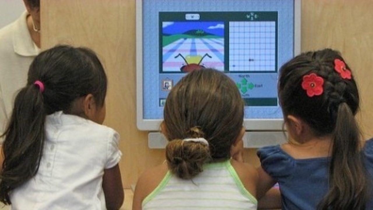 """Tecnologia a scuola: il concorso """"Cronisti in classe"""" e il punto della situazione thumbnail"""