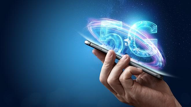 Il 5G è pericoloso per la salute e inutile: tutte le fake news sulla rete di nuova generazione thumbnail