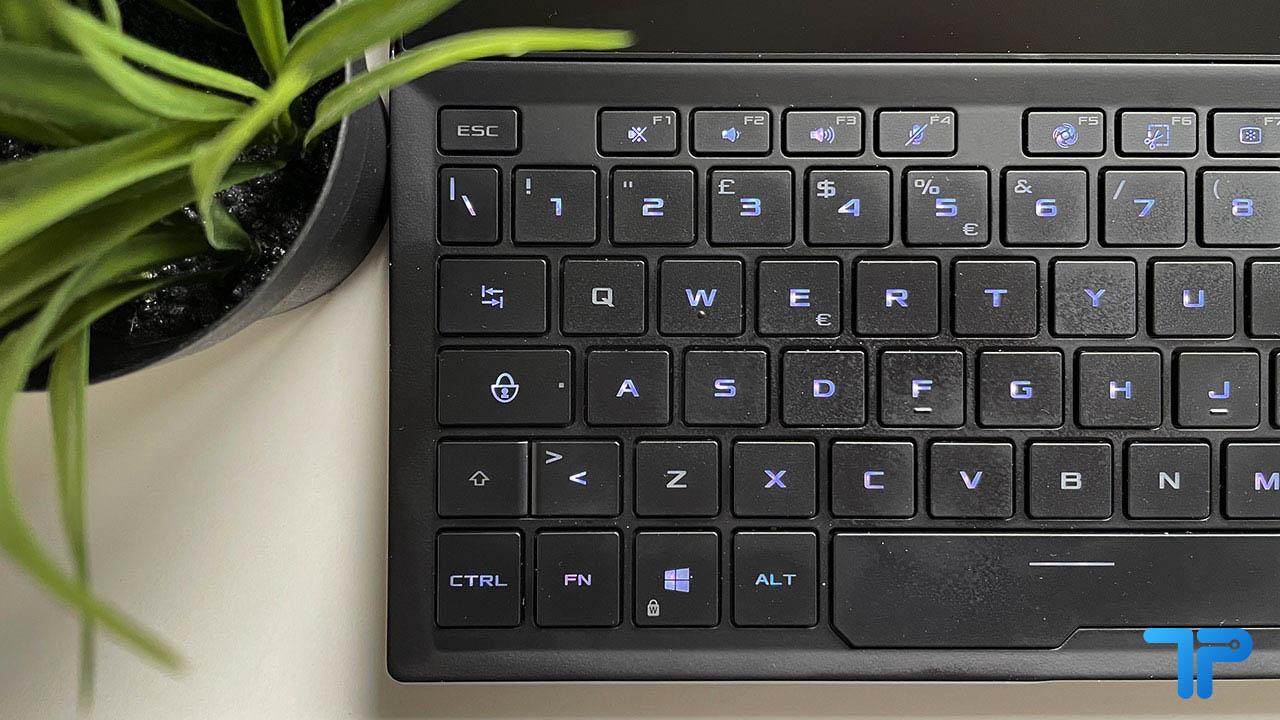 ASUS ROG Zephyrus Duo 15 SE recensione tastiera