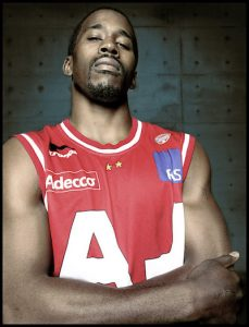 Armani basket player
