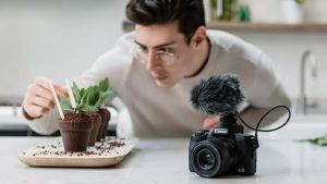 Arriva in Italia la nuova Canon EOS M50 Mark II  La nuova mirrorless è già preordinabile