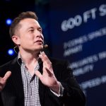 Elon Musk su Clubhouse tilt