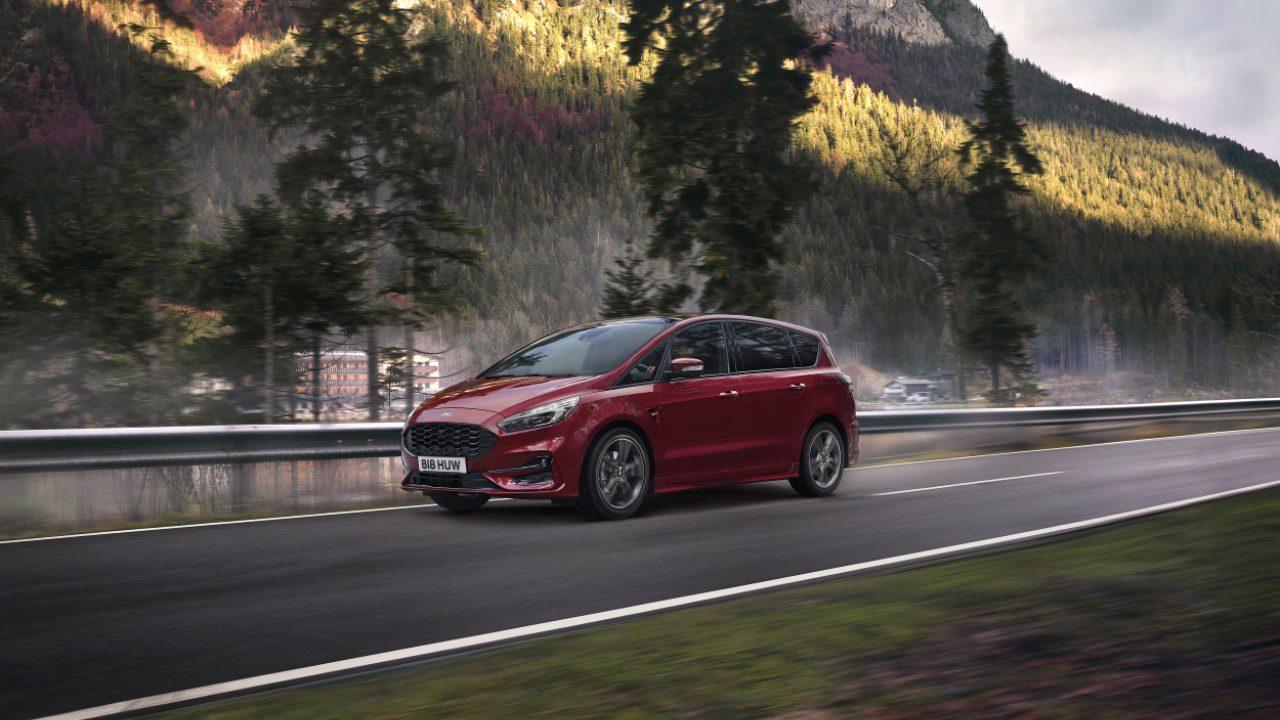 Ford S-MAX Hybrid: aperti gli ordini in Europa thumbnail