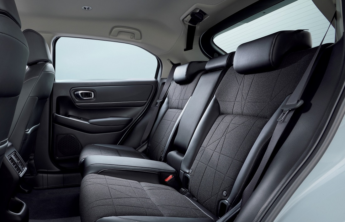 Honda HR-V e:HEV magic seats