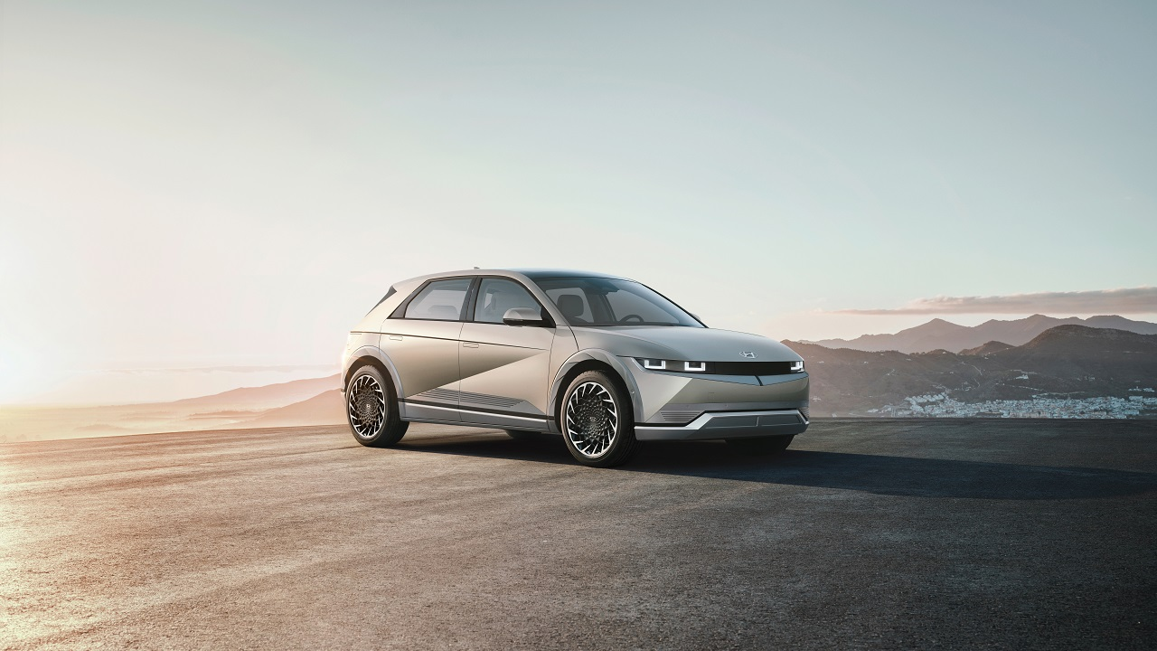 Ioniq 5, la prima elettrica di nuova generazione dell'inedito brand di Hyundai thumbnail