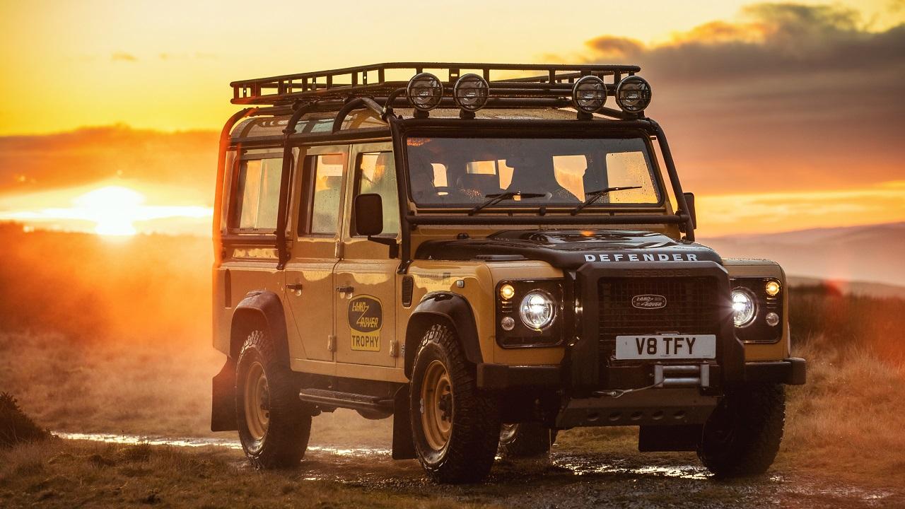 Land Rover Classic presenta la Defender Works V8 Trophy thumbnail