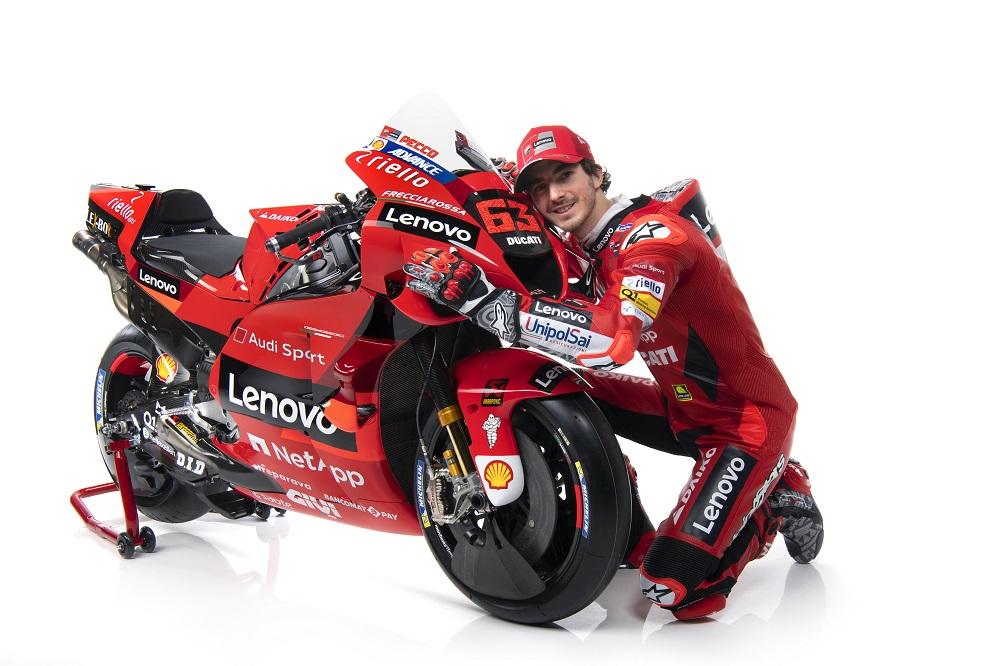 Pecco Bagnaia con Ducati Desmosedici GP21 2021
