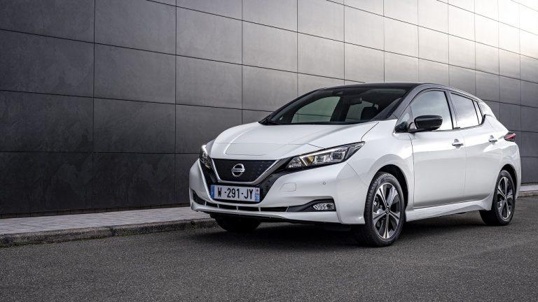 Nissan presenta la nuova LEAF10