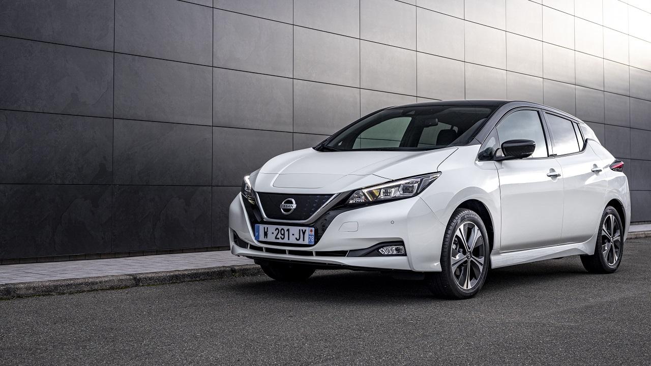 Nissan presenta la nuova serie speciale LEAF10 thumbnail