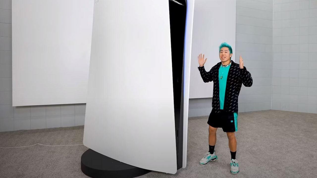 Ecco la PlayStation 5 più grande del mondo thumbnail