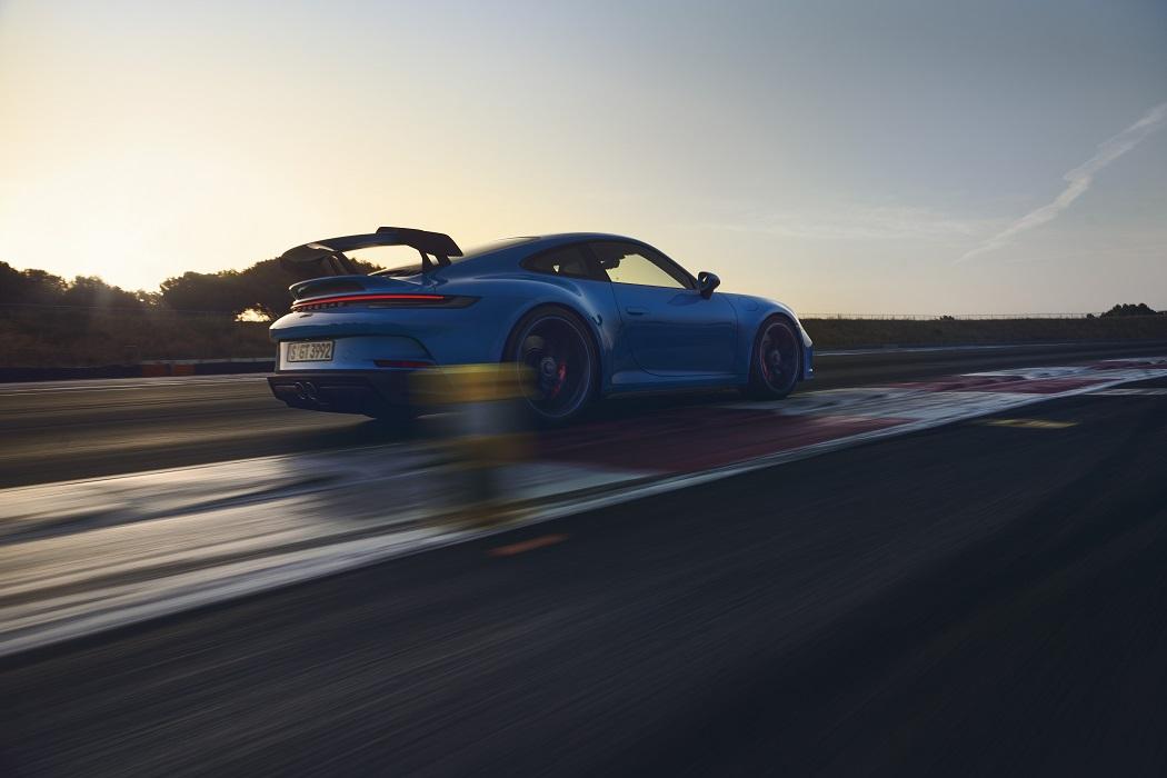 Il posteriore di Porsche 911 GT3 2021