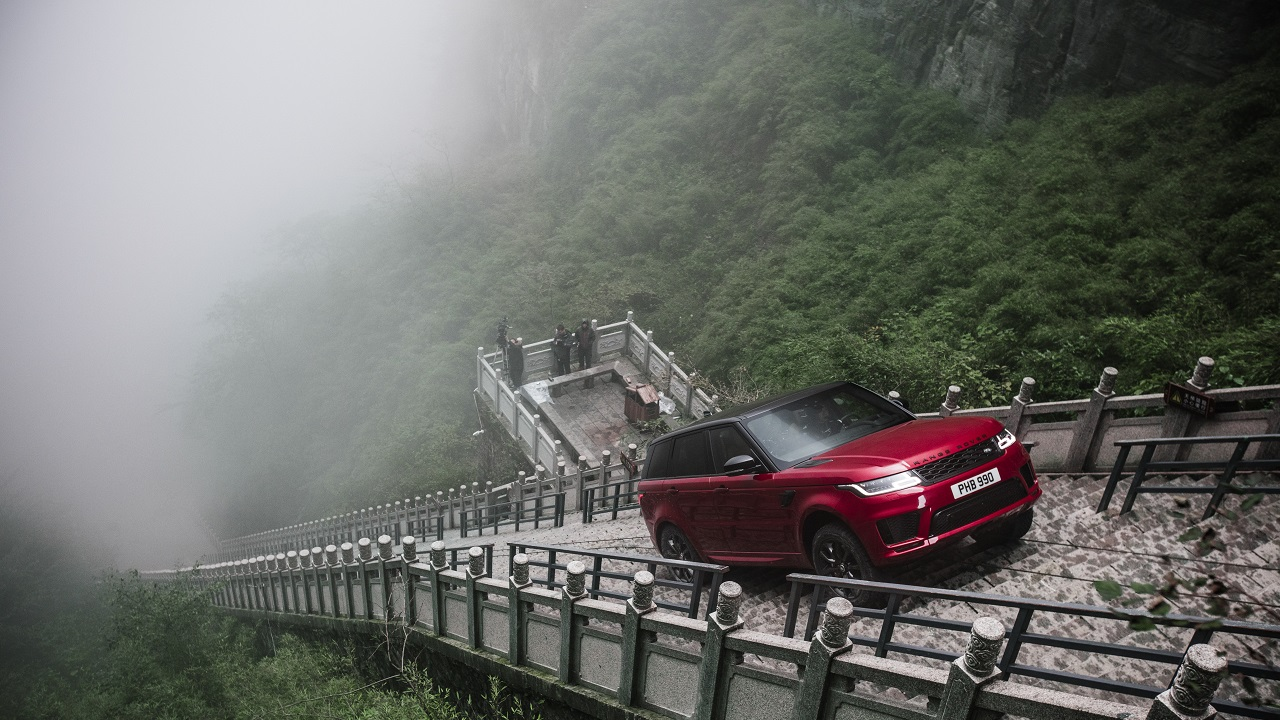 La Range Rover Sport raggiunge un importante traguardo thumbnail