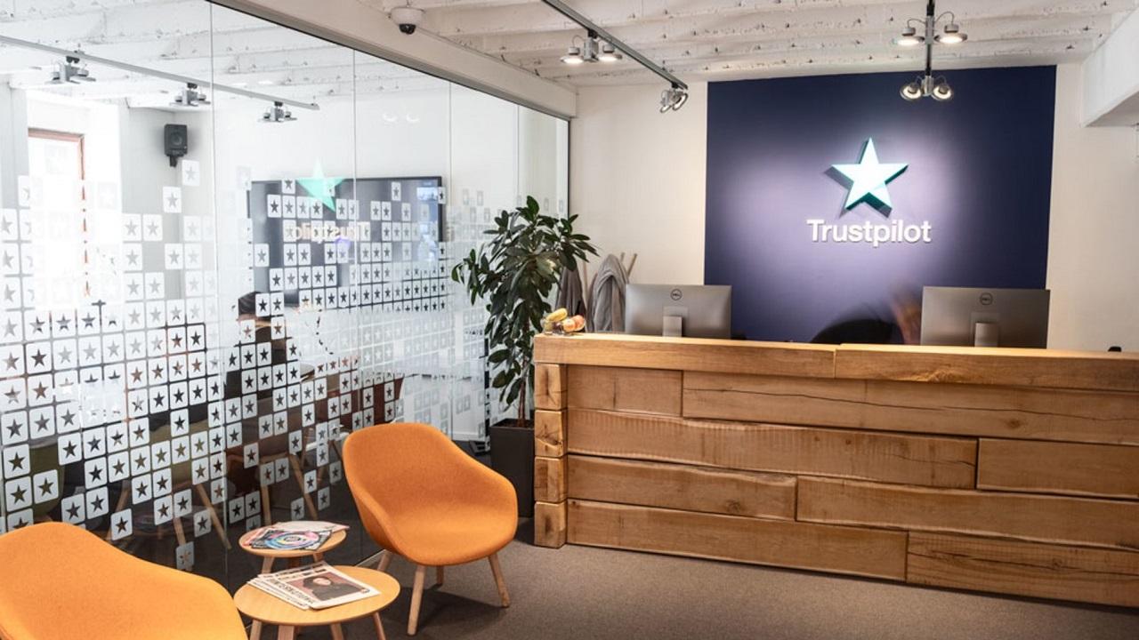 Trustpilot ha eliminato più di 2 milioni di recensioni false nel 2020 thumbnail
