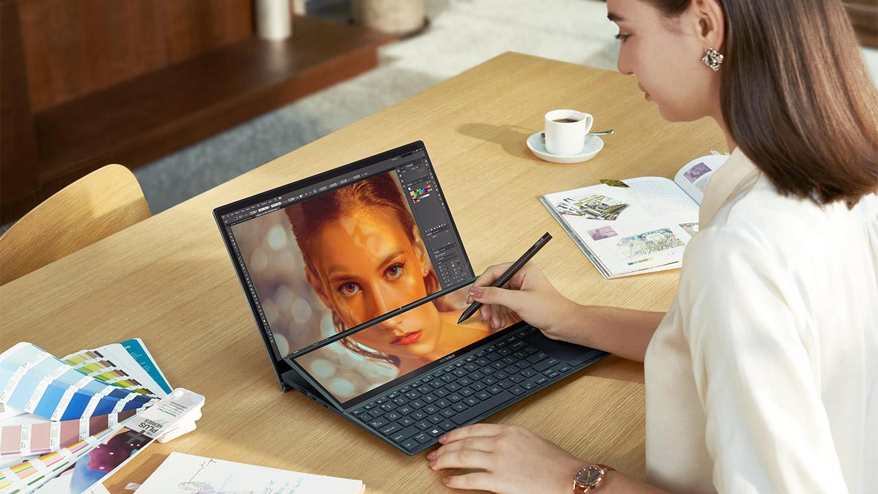 Asus ZenBook Duo 14 è disponibile in Italia thumbnail