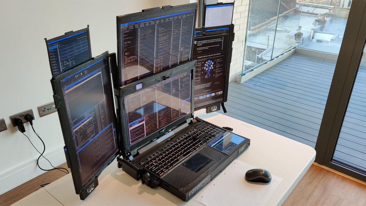 Il notebook futuristico con sette display thumbnail