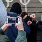 cyberbullismo tema ragazzino picchiato video con cellulare
