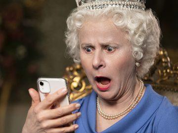 tracey ullman regina elisabetta shock smartphone death to 2020