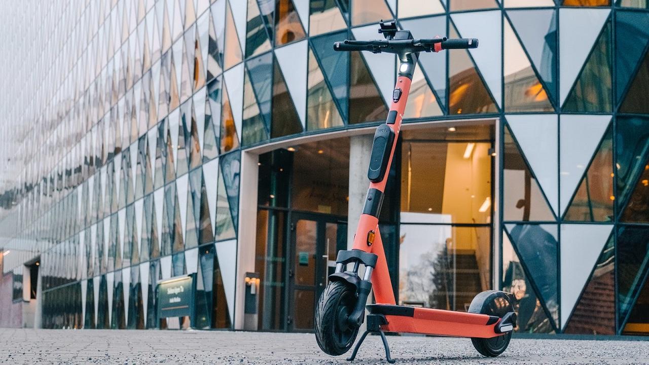 Voi svela un nuovo e-scooter connesso che misura la qualità dell'aria thumbnail