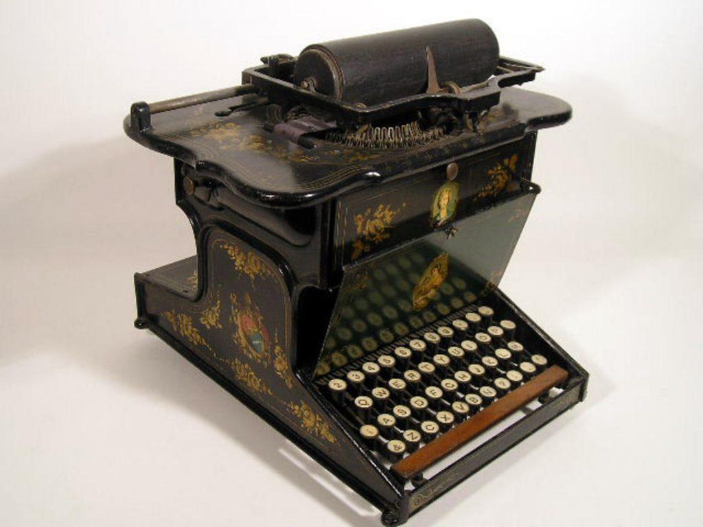 macchina da scrivere storia