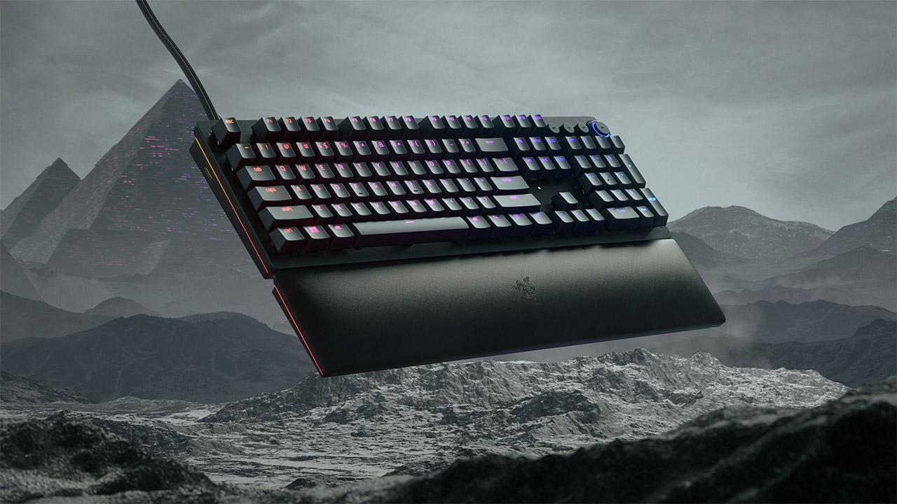 La nuova tastiera di Razer che simula un joystick analogico thumbnail