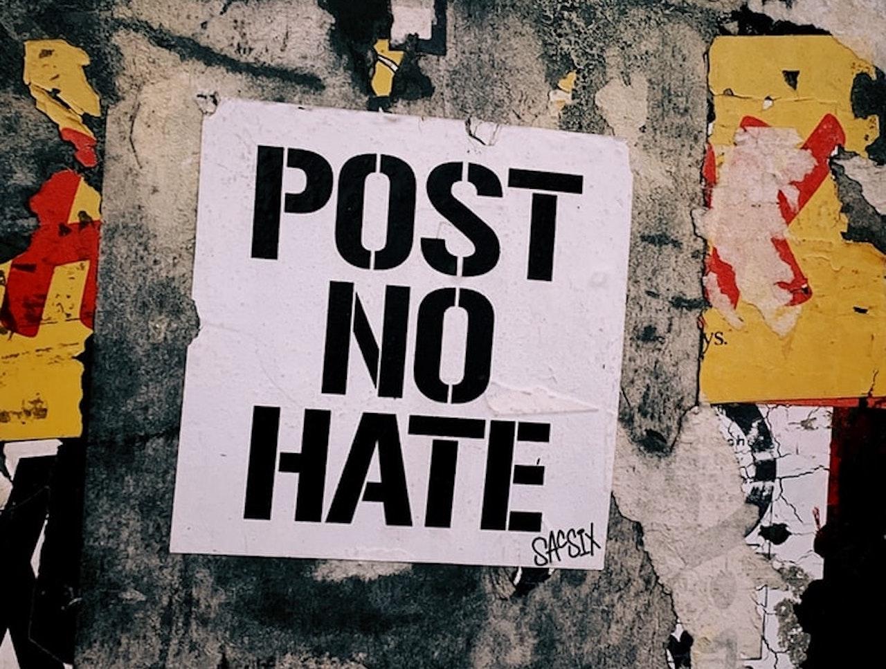 Odio online, l'indagine e il report finale del team del governo thumbnail