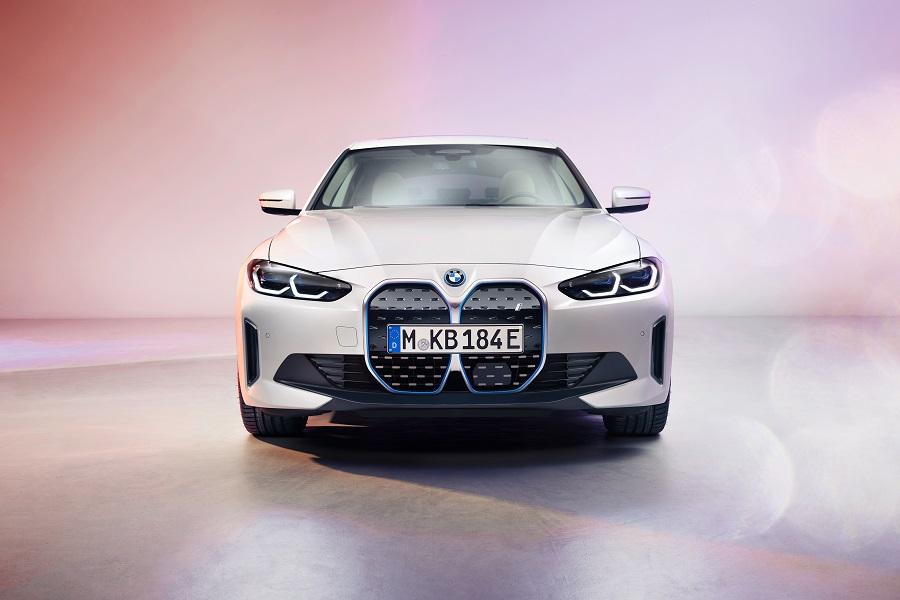 BMW i4 2021 anteriore