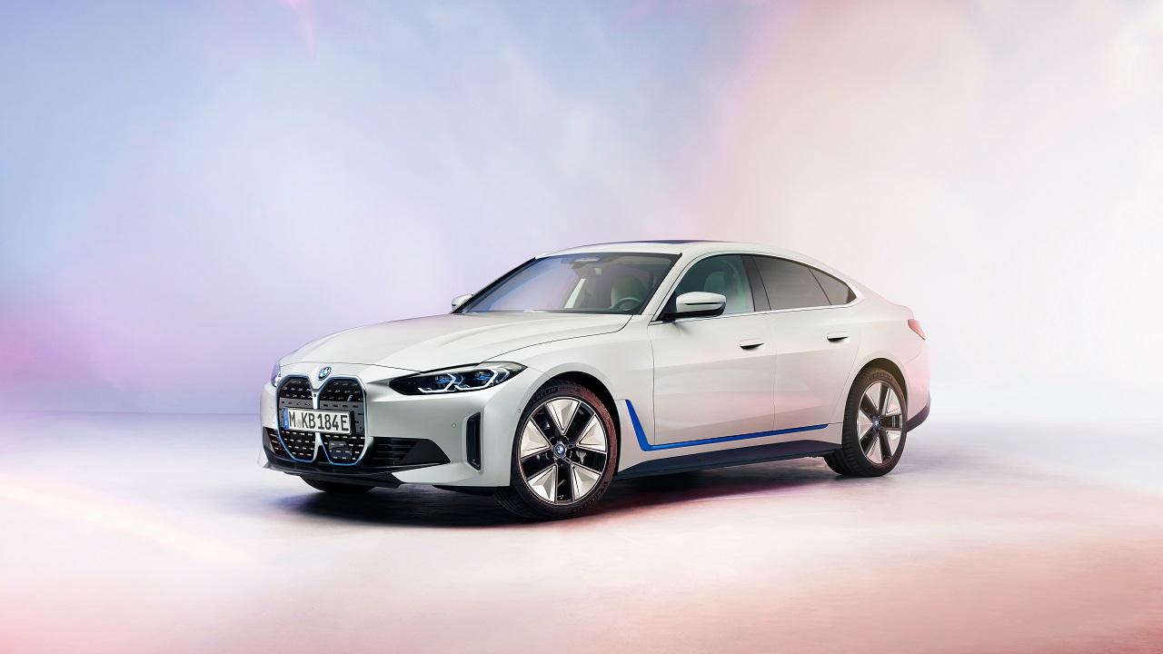 BMW i4 2021, ecco la berlina 100% elettrica presentata nella Conferenza Annuale BMW thumbnail