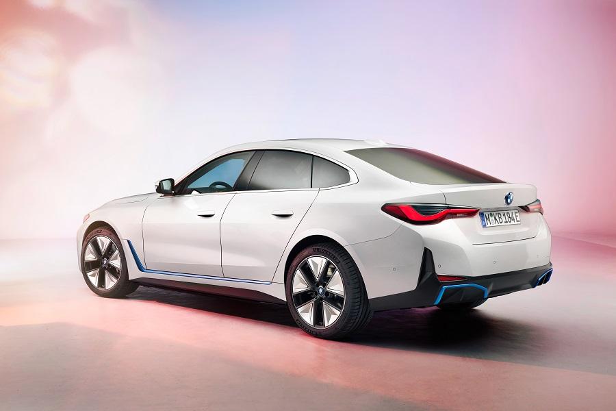 BMW i4 2021 posteriore